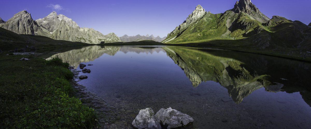Les Cerces Lake